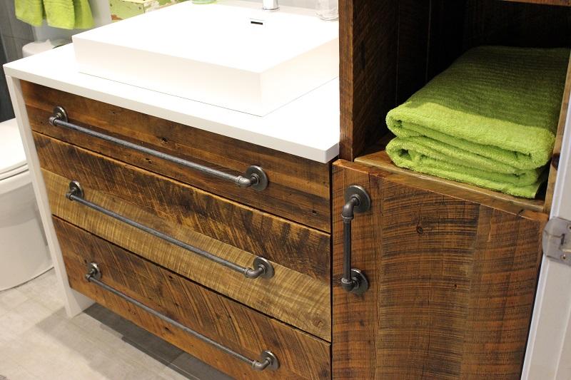 Ilot de cuisine en bois de grange for Meuble avec bois de grange