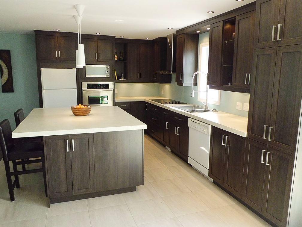Beau armoires de cuisine blanc vs bois lok9 appareils de for Armoires de cuisine